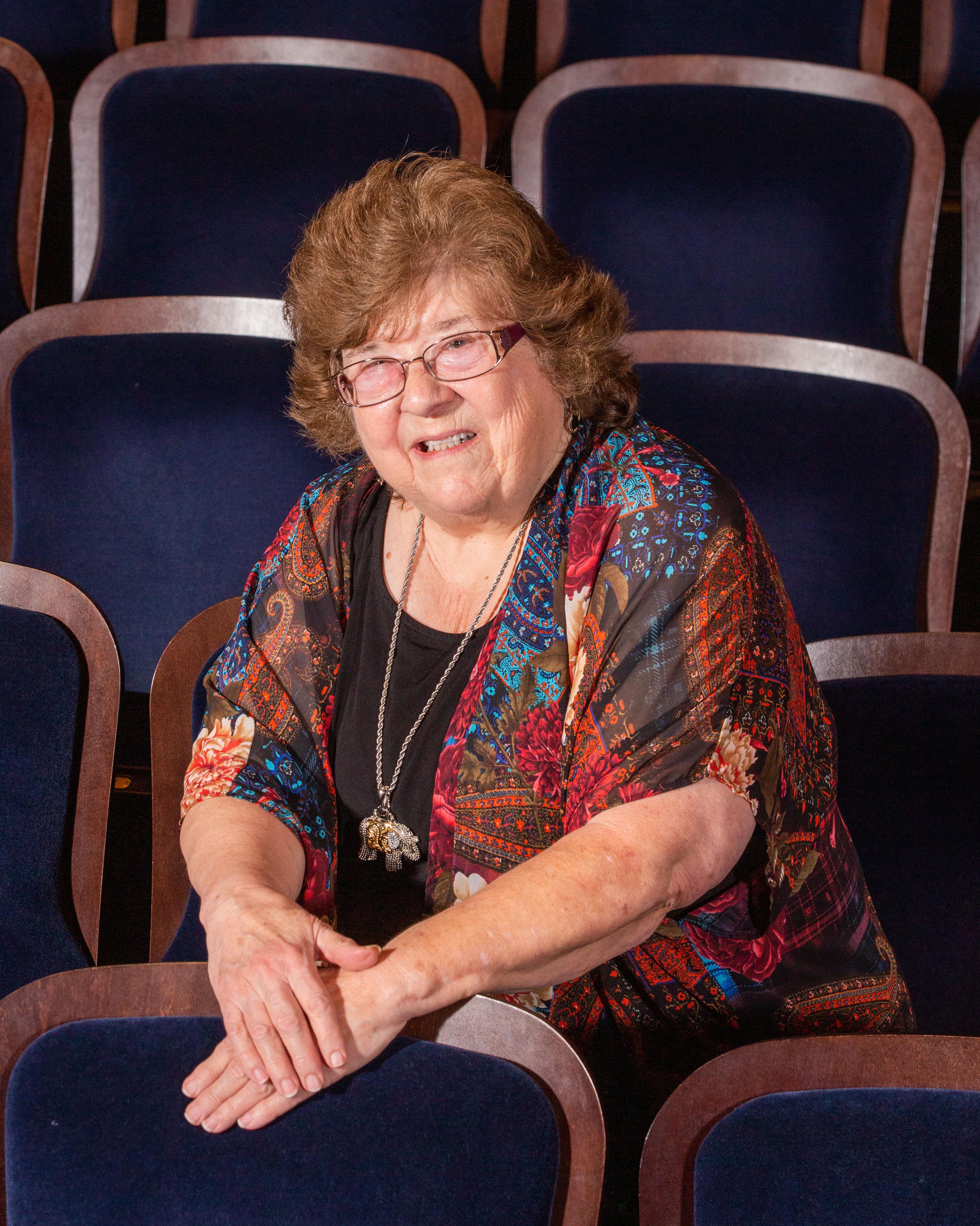 Angela Dabbert Headshot